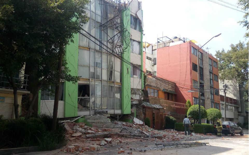 edificios-danados-por-sismo-7